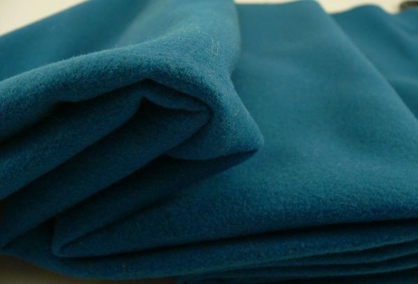 Кашемировая ткань темно бирюзового цвета