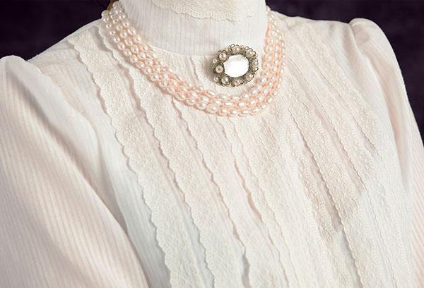 Блуза из батиста