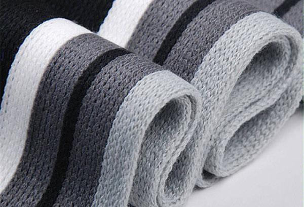 Вязаный акриловый шарф