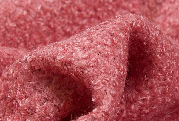 Розовая буклированная ткань