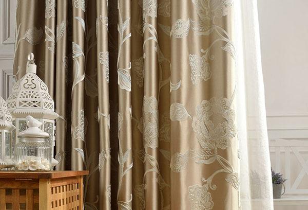 Атласная штора с вышивкой