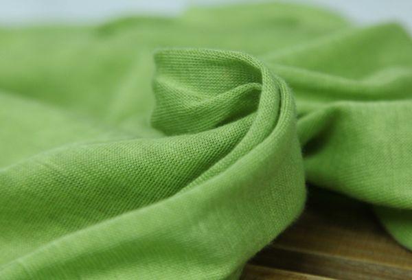 Мягкая эластичная ткань салатового цвета