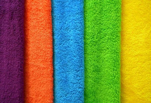 Махровые полотенца разных цветов
