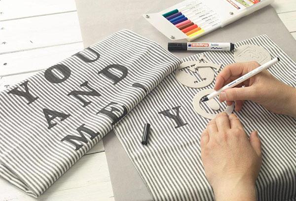 Декор салфеток маркерами для ткани