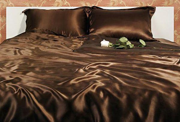 Коричневое постельное белье из шелка