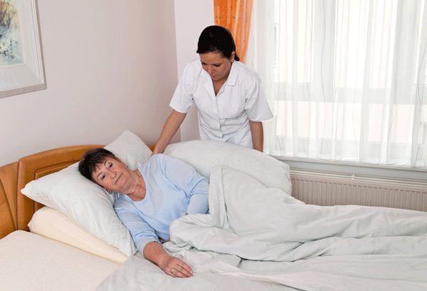 Больная в постели