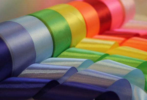 Разноцветные атласные ленты