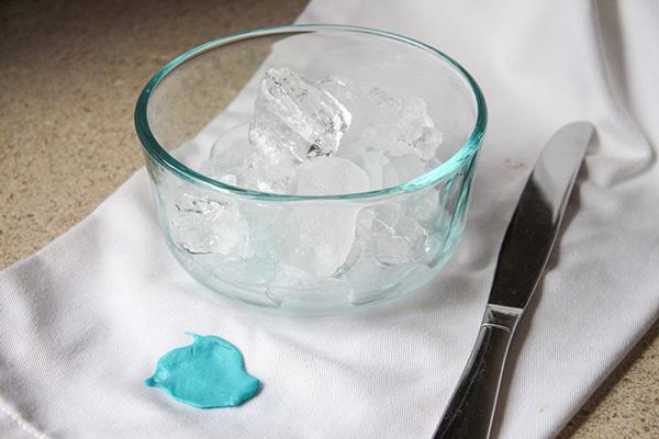 Лед для удаления жвачки с ткани