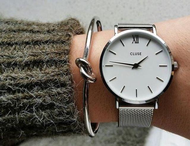 Женскиенаручные часы