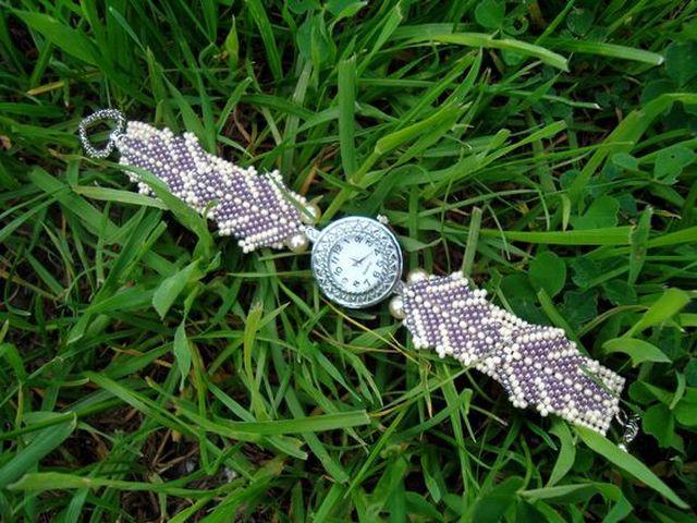 Девичьи часики на траве