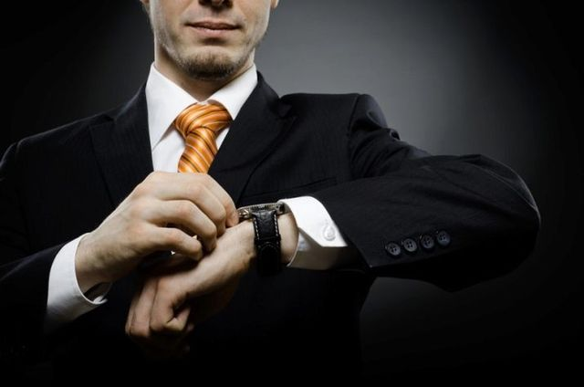 Мужчина с наручными часами