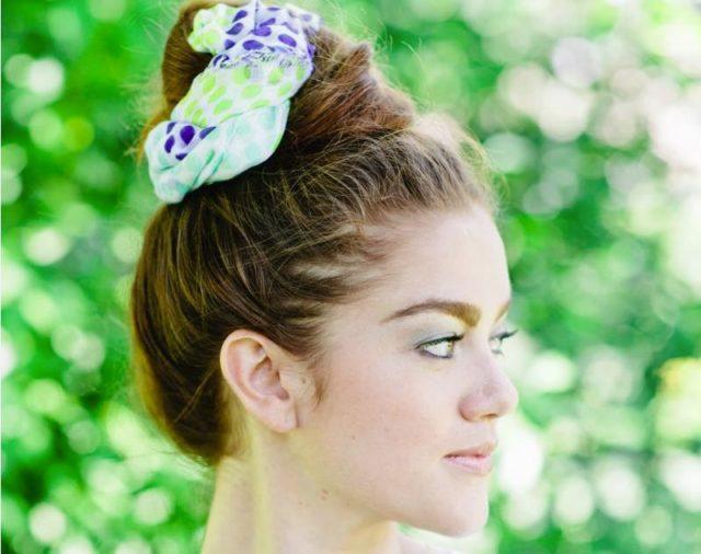 «Пучок» с шарфиком для длинных волос