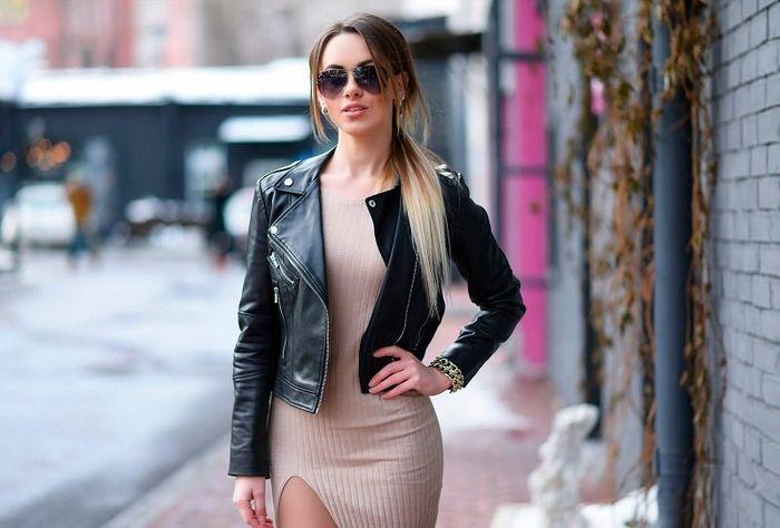 черная модная куртка из кожи