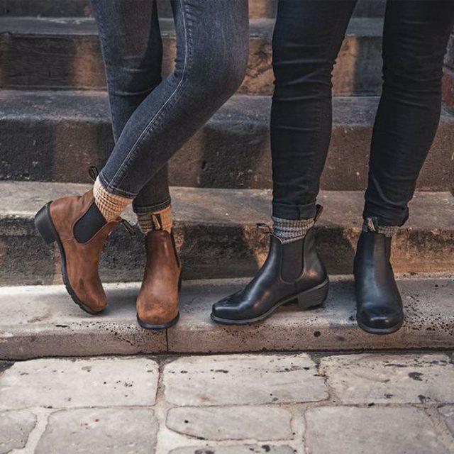 Ботинки с низким классическим каблуком