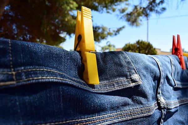 Сушка джинсов на солнце