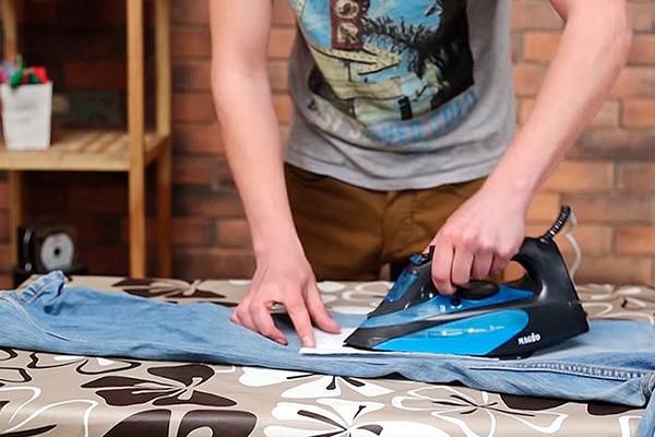 Термическая обработка пятна на джинсах