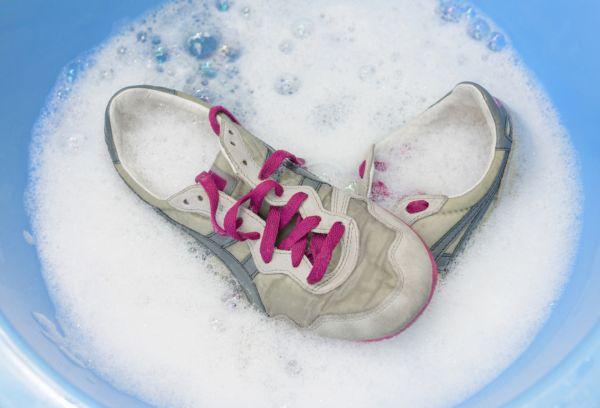 Замоченные кроссовки