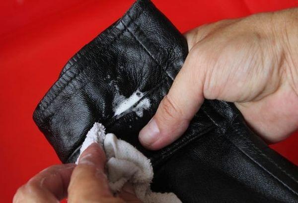Стирка кожаной куртки как постирать и восстановить после стирки