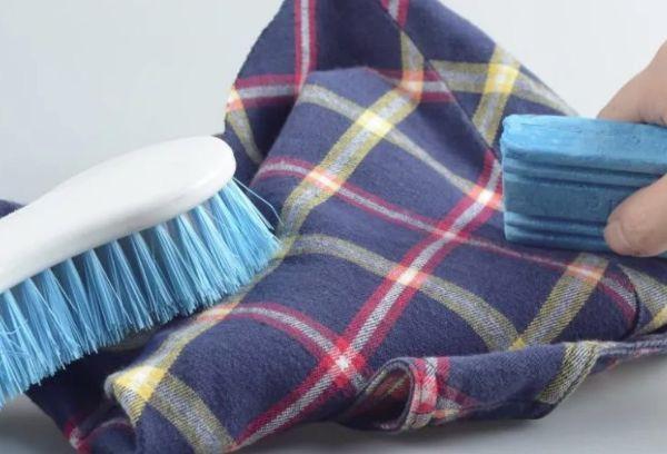 Пятна на ткани