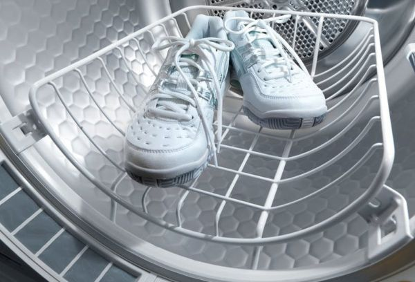 Кроссовки в машинке