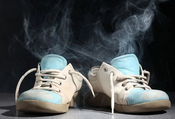 Как убрать запах внутри обуви
