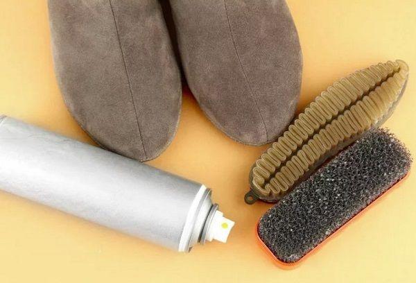 Средства по очистке и уходу за замшевой обувью