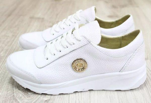 Как отстирать белые тряпочные кроссовки