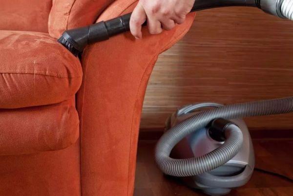 Сухая чистка дивана