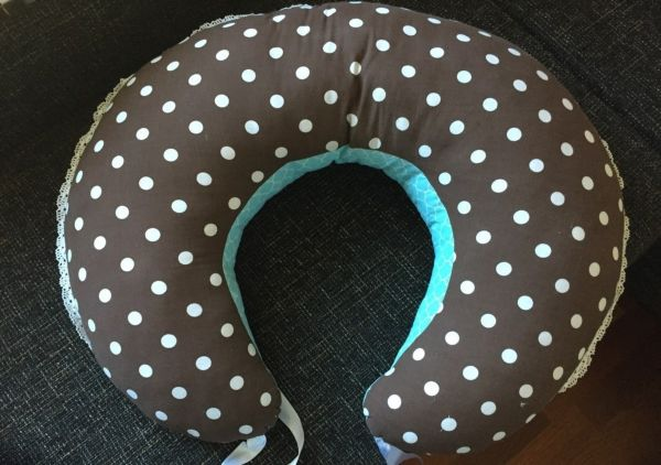 Подушка для кормления ручной работы
