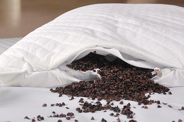 Подушка, набитая гречневой лузгой