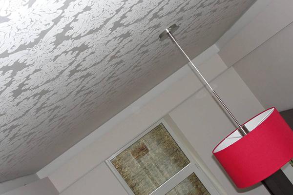 Фактурный тканевый натяжной потолок