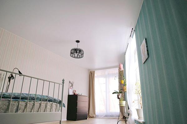 Сатиновый тканевый натяжной потолок