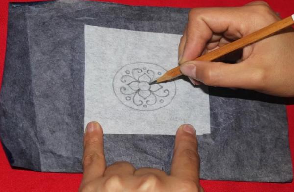 Перенос изображения на ткань под копирку