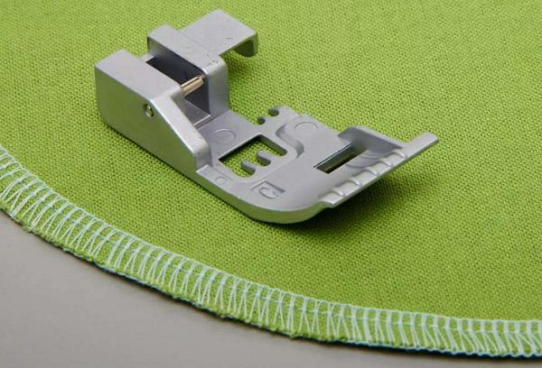 Оверлочная лапка для швейной машины