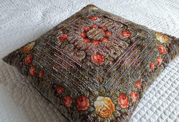 Синельная ткань подушка